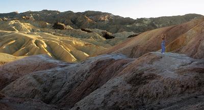 Каменные волны Zabriskie point Death Valley California