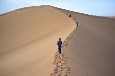 Пустыня в окрестностях Язда. Иран. пустыня иран дюна