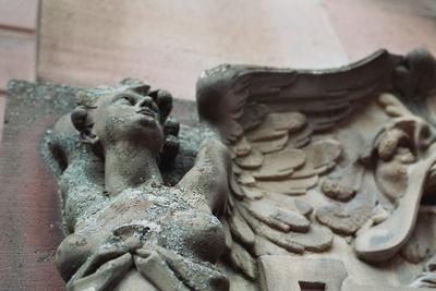 Застывший Ангел скульптура барельеф