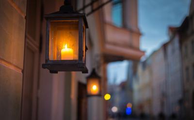 Огни старого Таллина. город улицы фонари старый Таллин архитектура путешествие