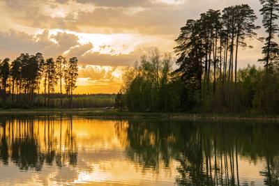 Хмурый закат природа пейзаж весна вечер закат татарстан озеро светлое лебяжье