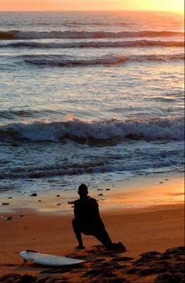 Разминка серфера океан серфер