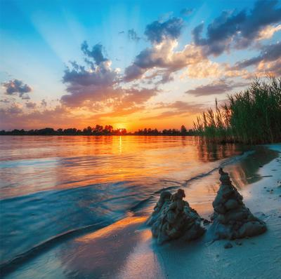 закат над озером V озеро голубое Днепр Украина закат облака отражение песок камыши вода лучи