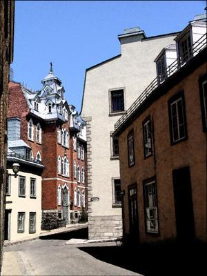 В Верхнем городе Старого Квебека. Канада Квебек.Квебек-сити старый город улочки ЮНЕСКО булыжная мостовая Canada Quebec