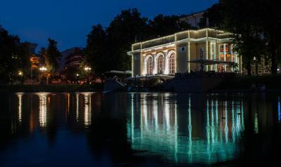 Патриаршие Москва ночь огни отражение природа пруд