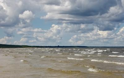 Неспокойное море Море небо ветер облачность