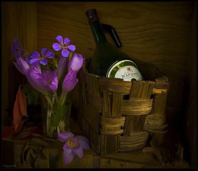 Садовый букетик с крокусами и геранью Крокусы Герань