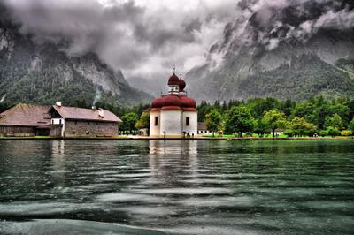 Königsee пейзаж горы германия бавария озеро дождь церковь