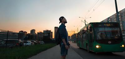 *** парень man sun sunset bus street