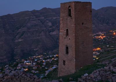 Страж. Сторожевая башня в селе Гоор, Дагестан