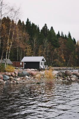 Дом у озера озеро осень природа ладога