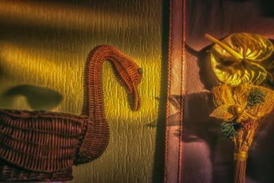 Хокку про Утко. НЕ ЗНАКОМ ЕЙ ГРЕХ: РОЖДЁННАЯ В ЗАРОСЛЯХ БАМБУКА КРЯКАЕТ К НОЧИ...