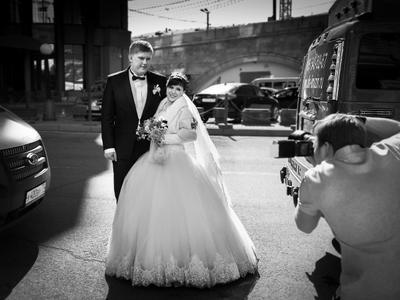 Фотозасада жених невеста свадебный фотограф гостиница Балчуг