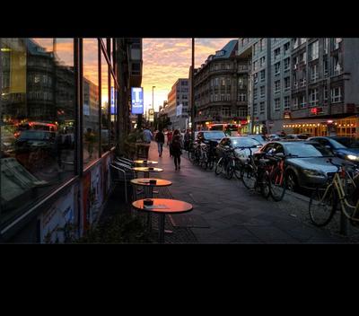Берлин. Прглашение к закату.