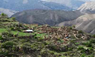 *** город в горах горы старый заброшенный