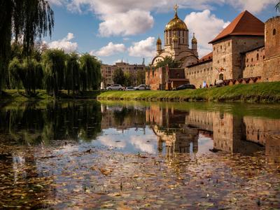 Старое и новое Крепость г.Фегераш Трансильвания