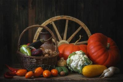 ***Осенний урожай натюрморт осень урожай разные овощи цвета корзина колесо телеги