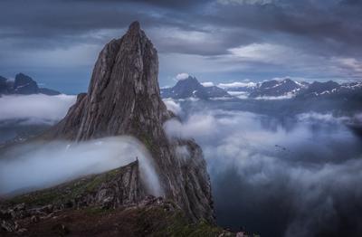 Облачный водопад Сенья Сегла Норвегия