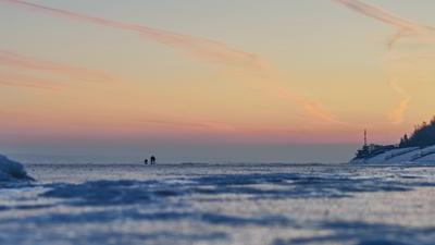 По первому льду на Волге Зимняя рыбалка первый лёд Волга рыболов