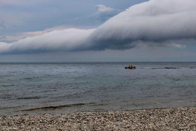 Причуды тумана. Байкал туман лодка