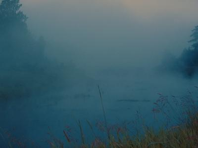 Над рекой Остёр стоит туман