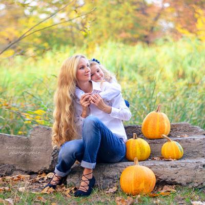 Инна и Аля. Осенняя прогулка.