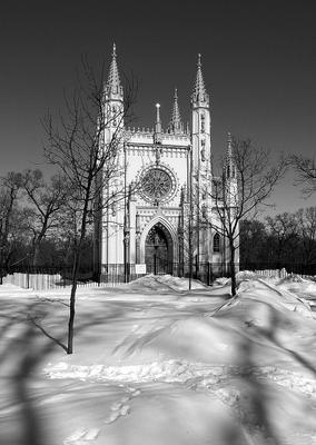 С Новым Годом! Всё будет! И мороз, и солнце! Хочется верить! Петергоф Александрия готическая Капелла церковь Александра Невского