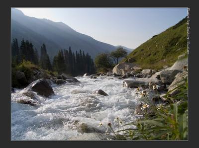 Ущелье Проходное. 2 Тянь-Шань Алатау горы небо река