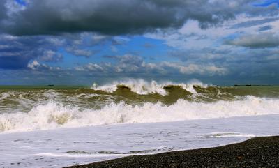 Море бывает разное... Море вода тучи небо шторм