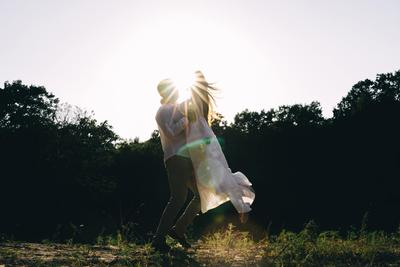 Солнца лучи свадебное платье ведущие организаторы свадеб свадебный букет видеограф свадебная организация организатор
