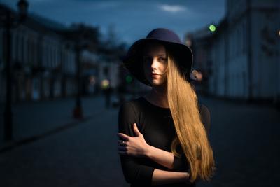 вечерний променад девушка вечер портрет шляпка город