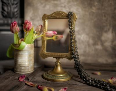 Тюльпаны Цветок ваза зеркало натюрморт