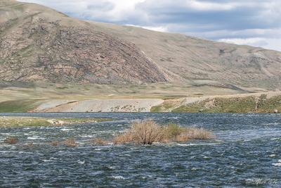 Пастель Сыргала Монголия долина горы июнь облака дорога национальный парк Таван Богд аймак Баян Улгий степь озеро Хотон Хурган протока Сыргал