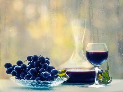 ***Белорусское божоле натюрморт мокрое стекло осень виноград вино