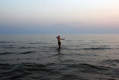 мальчик и море Октавиан, мальчик, Чёрное море, вечер
