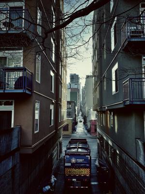 Переулок...