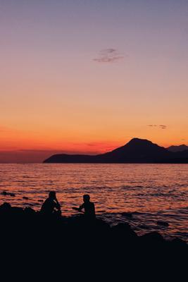 Закат в Баре. путешествия Черногория город море закат горы люди