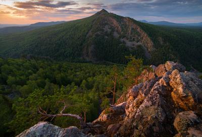 Сила природы пейзаж закат горы скалы Айгир Южный Урал деревья