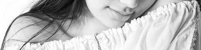 N девушка черно-белое губы красиво