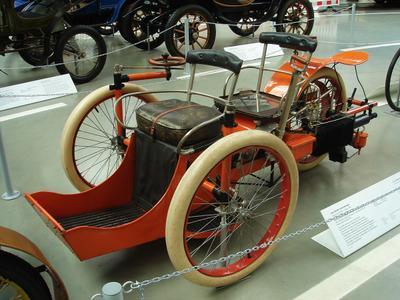 Трехколесный автомобиль Léon Bollée (1896) Трехколесный автомобиль Léon Bollée