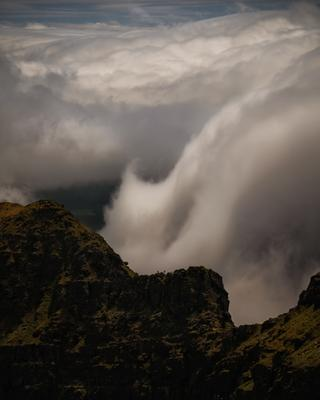 ...on the Ridge III... ireland brandon faha ridge dingle peninsula mountains climbing alpinism mountaineering valley dramatic nature outdoors sport hobby leasure clouds cloudscape europe from above spectacular breathtaking
