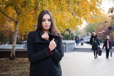 Осенняя прохлада портрет осень Донецк 2015 бульвар