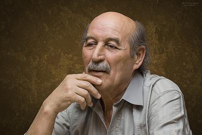 Тофик портрет мужчина пожилой лицо усы
