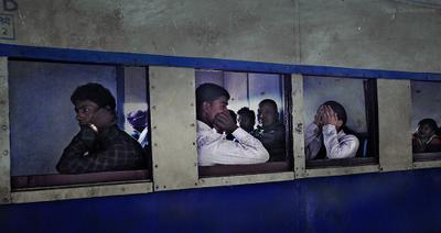 Поезд. Симра. Индия. поезд, пассажиры,индия