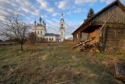 Майское утро в Савинском Савинское деревня храм церковь