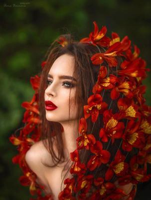 * альстромерия портрет красный алые губы страсть платок взгляд