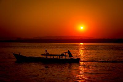 Закат на реке Иравади burma myanmar Mandalay Irrawaddy River