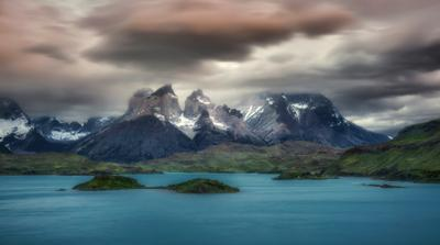 В парке Torres del Paine, Патагония, Чили Патагония Чили Торрес дель Пайне