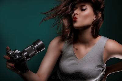Селфи селфи модель гламур портрет девушка фотоаппарат губы
