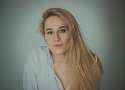 Katerine девушка портрет глаза студия